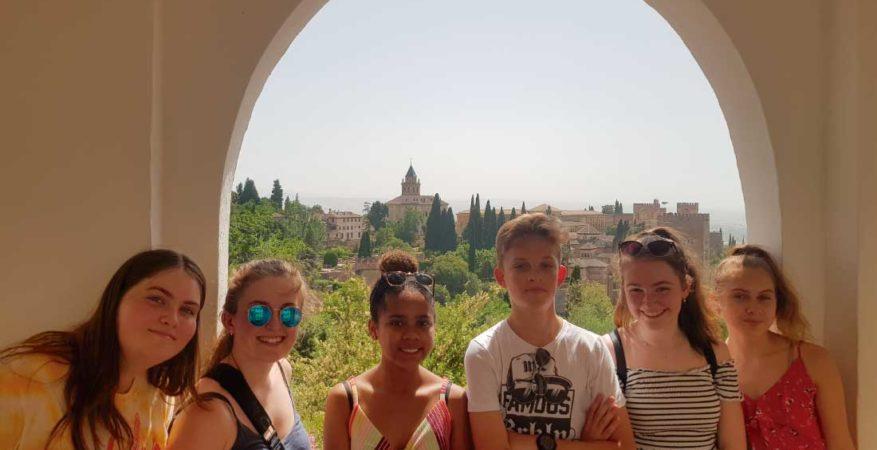 Cursos de español para jóvenes en Granada (España) | iNMSOL