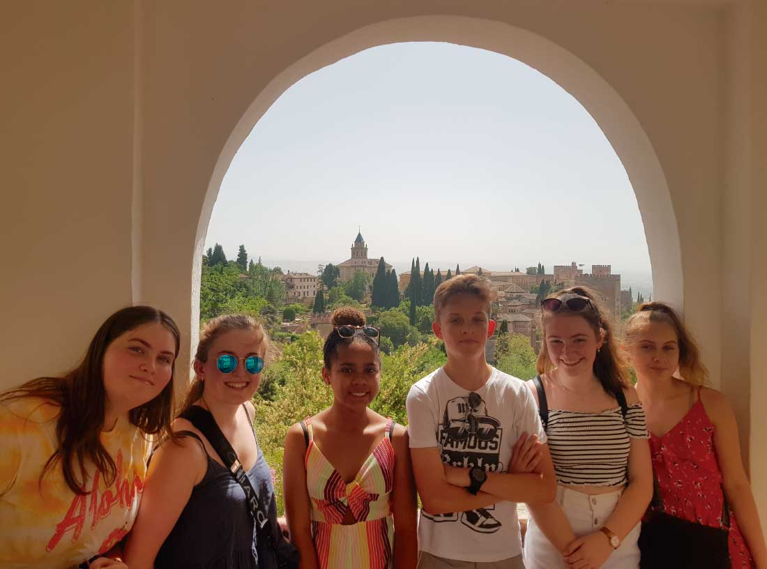 Spanish courses for Teenagers in Granada (Spain) | iNMSOL