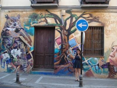 graffiti niño pinturas granada