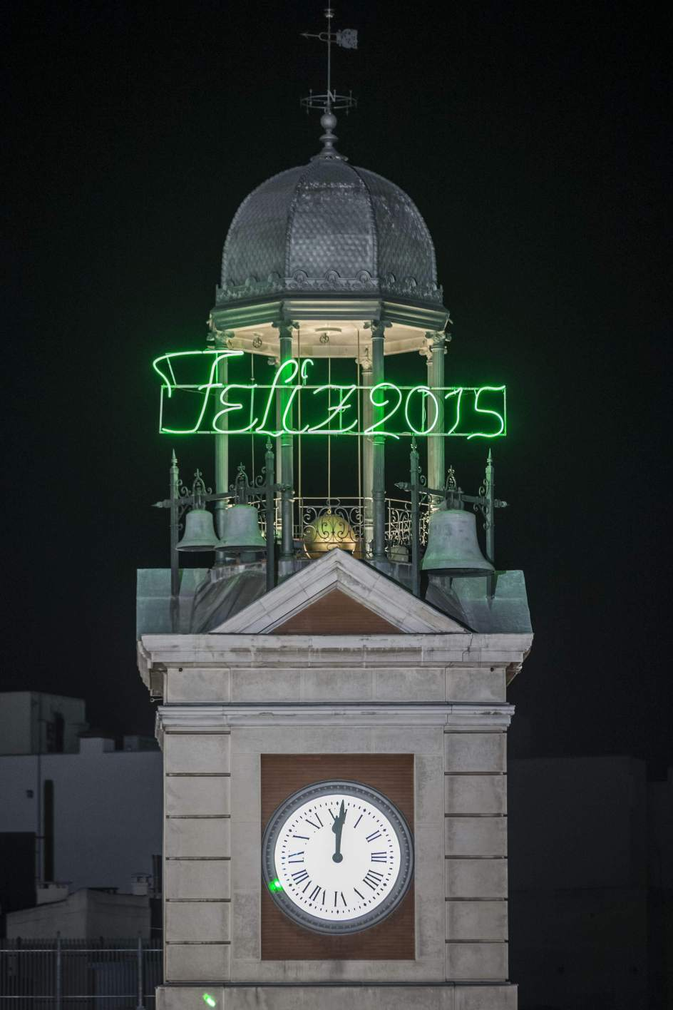 Reloj Puerta Del Sol Of Celebrate New Year 39 S Eve 2015