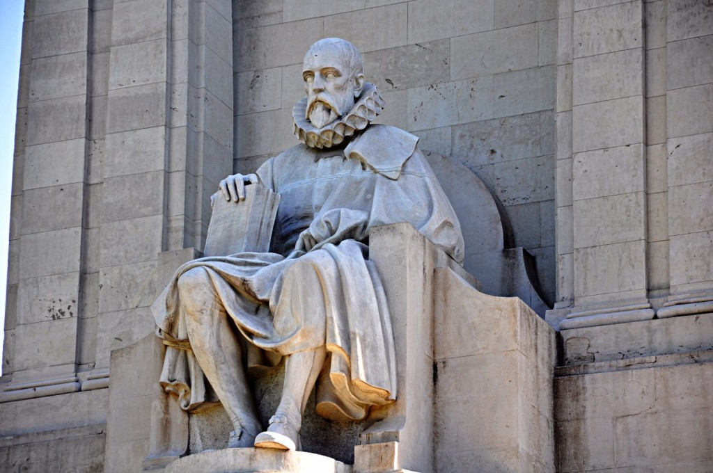 Madrid, Miguel de Cervantes, Lorenzo Coullaut