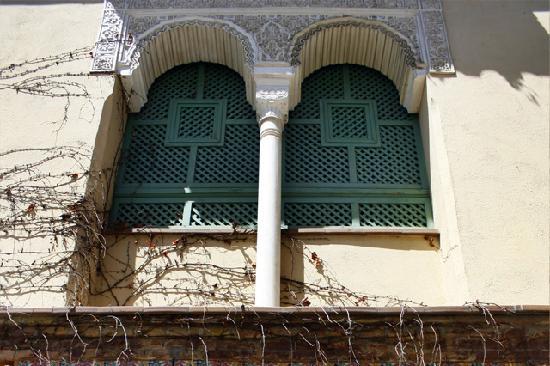 La leyenda de la casa de la columna albayc n granada - La casa de las mamparas granada ...