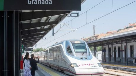 Primer Ave Granada Madrid Retraso Ediima20190626 0075 4