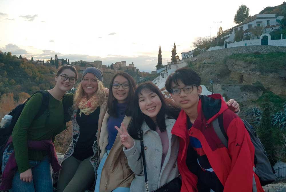 Grupo de estudiantes de Singapur que repiten experiencia...