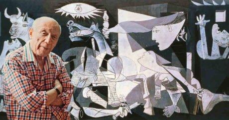 Exposición 'Picasso y el viaje de El Guernica' en el Paseo del Salón de Granada