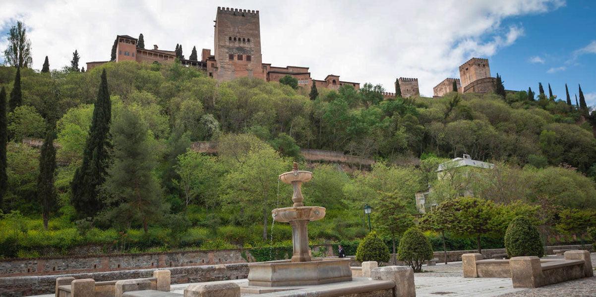 The city of Granada in the art